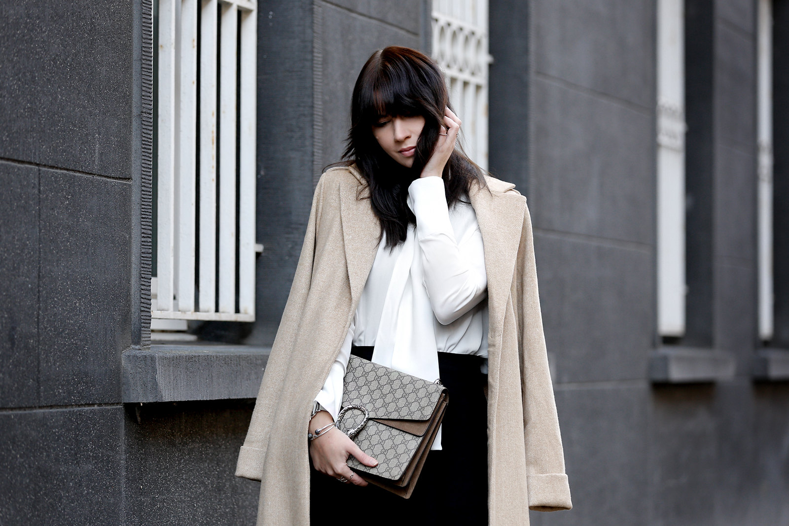 ootd outfit what i wore styling look lookbook mint&berry mint & berry long camel coat wool winter suede gucci dionysus luxury handbag black and white minimal dark styling nordic fashionblogger cats & dogs modeblog ricarda schernus styleblogger berlin 1