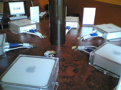 Mac mini net cafe | by pollas