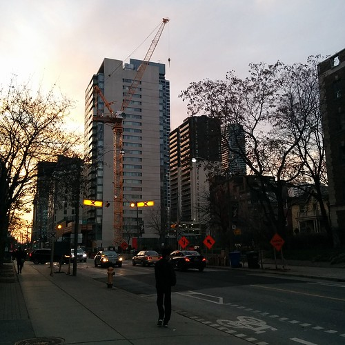 Looking west along Wellesley, evening