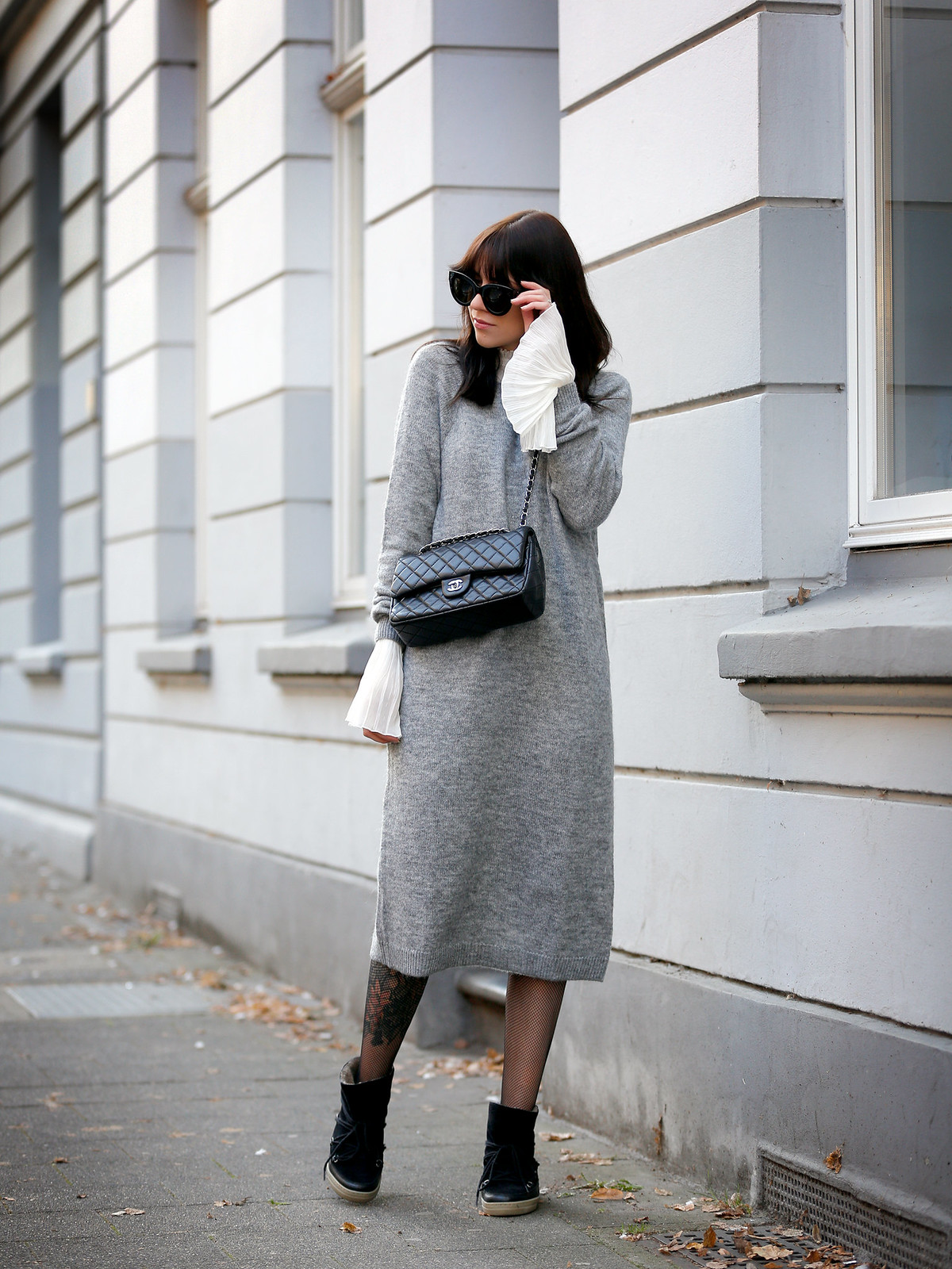 outfit h&m grey maxi knit dress bell sleeves hippie chanel 2.55 classic luxury bag black silver hardware sacha boots winter isabel marant étoile ootd fashionblogger ricarda schernus cats & dogs 7