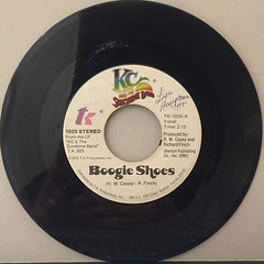 KC AND THE SUNSHINE BAND:BOOGIE SHOES(RECORD SIDE-A)