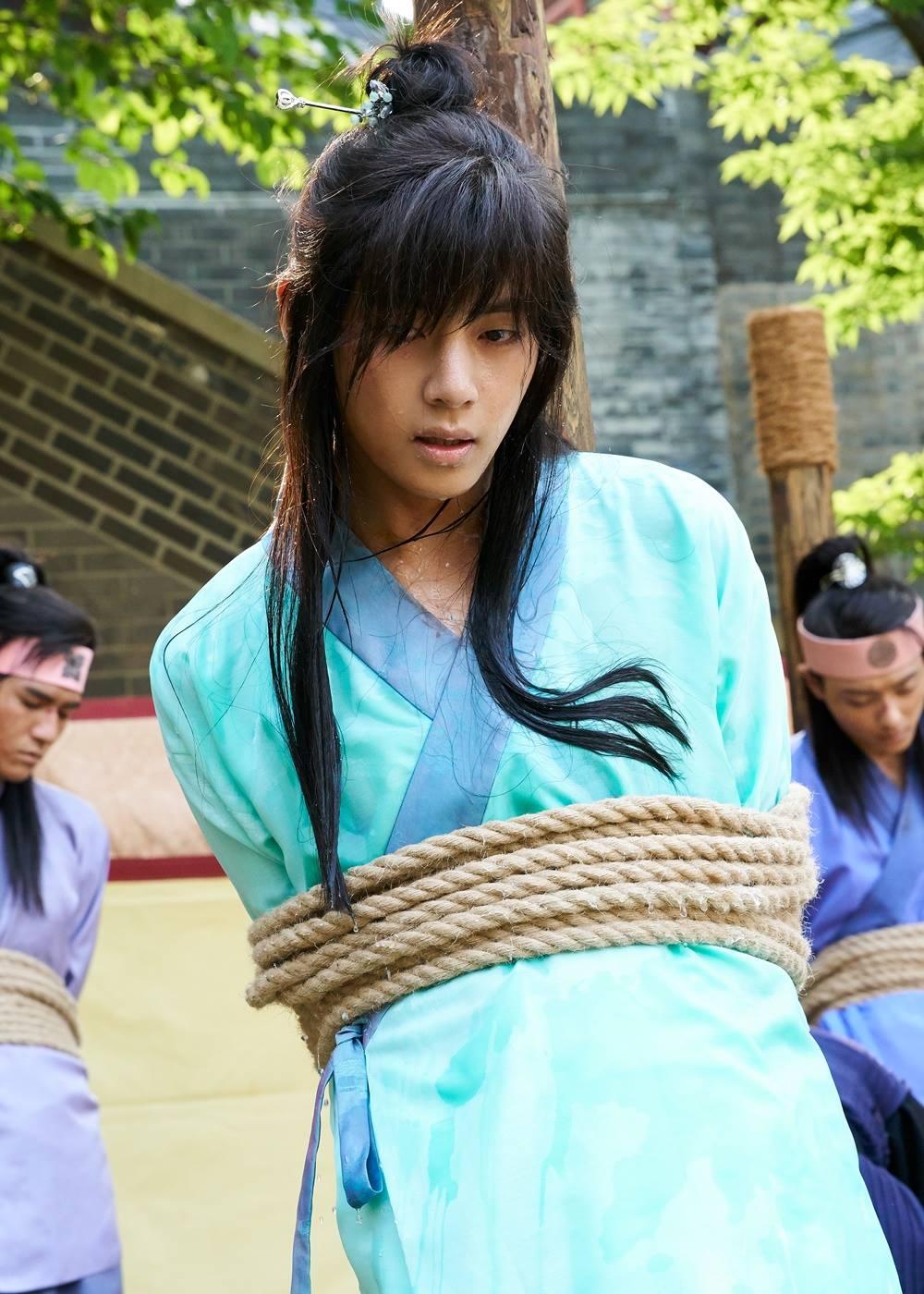 Picture Kim Taehung Bts V At Hwarang 161227
