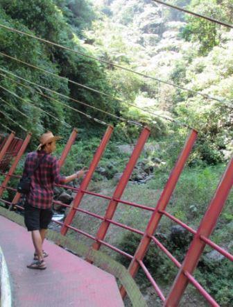 jembatan besi