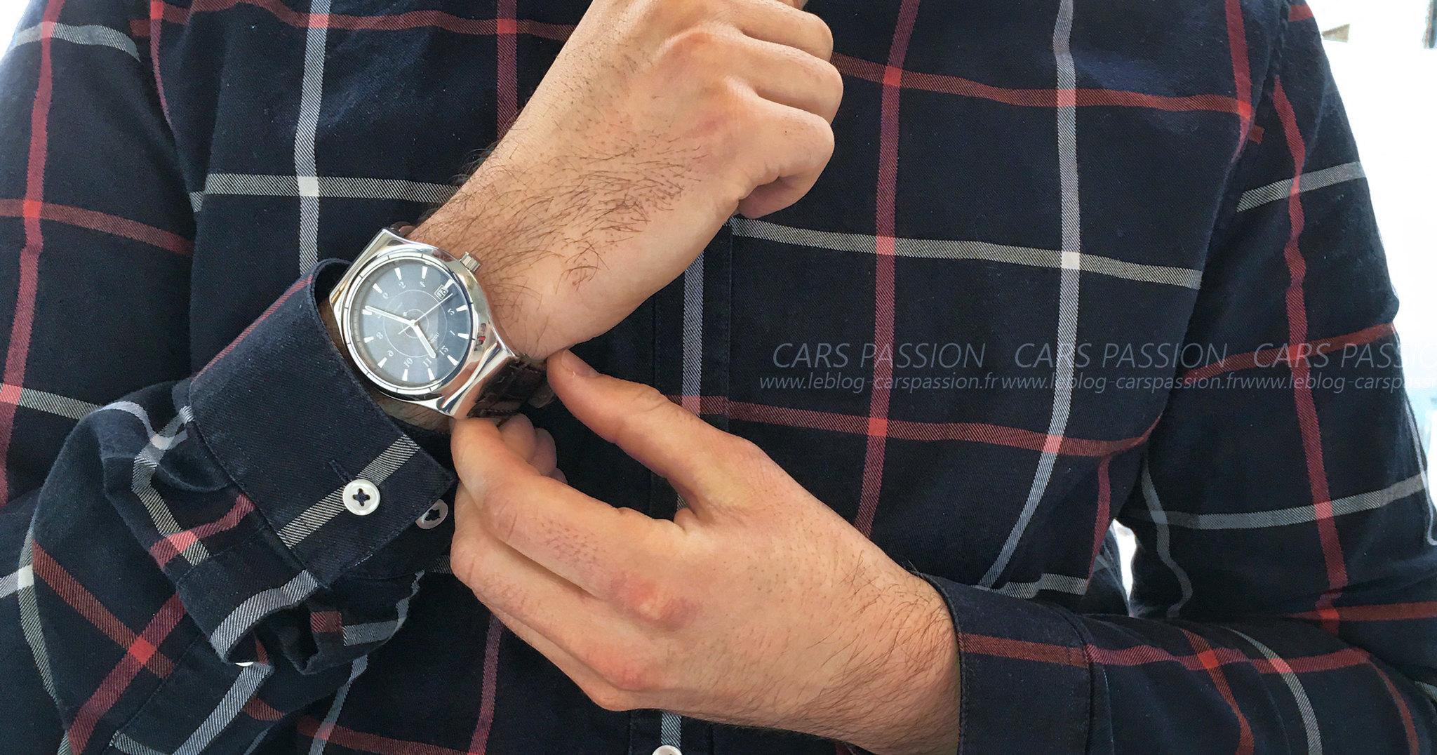 montres-automatique-swatch-sistem51-irony