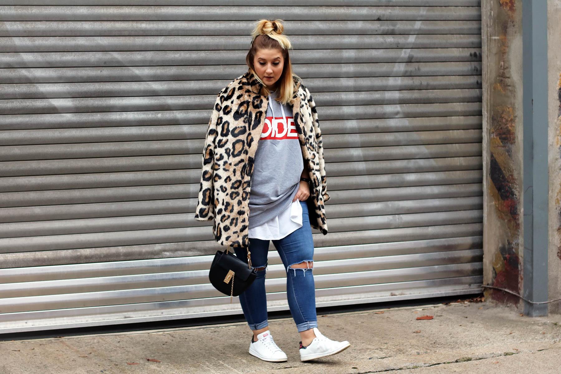 outfit-modeblog-fashionblog-fashionpassionlove-leo-mantel-trend-mantel-winter-sneaker-adidas23 (1 von 1)