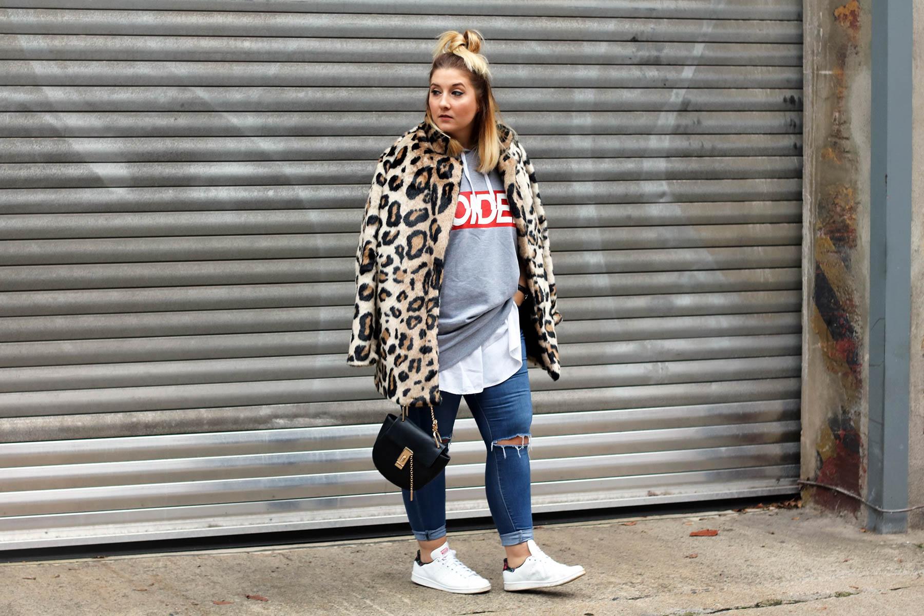 outfit-modeblog-fashionblog-fashionpassionlove-leo-mantel-trend-mantel-winter-sneaker-adidas24 (1 von 1)