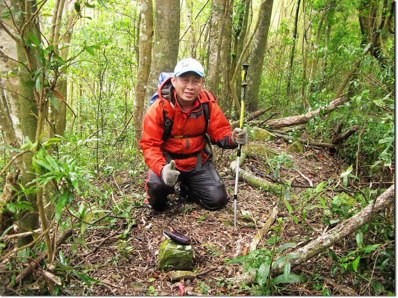 拉號山步道自然石 2