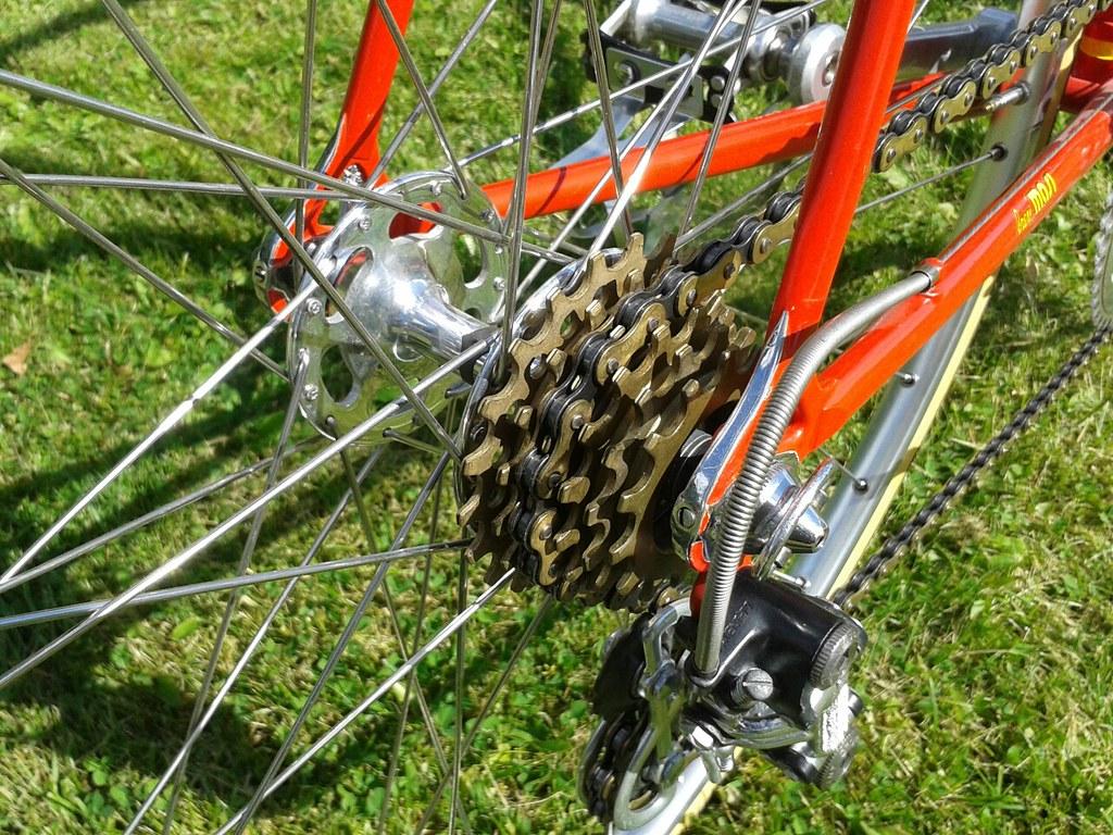 BICYCLE WHEEL HUB SHINERS TWO PAIR