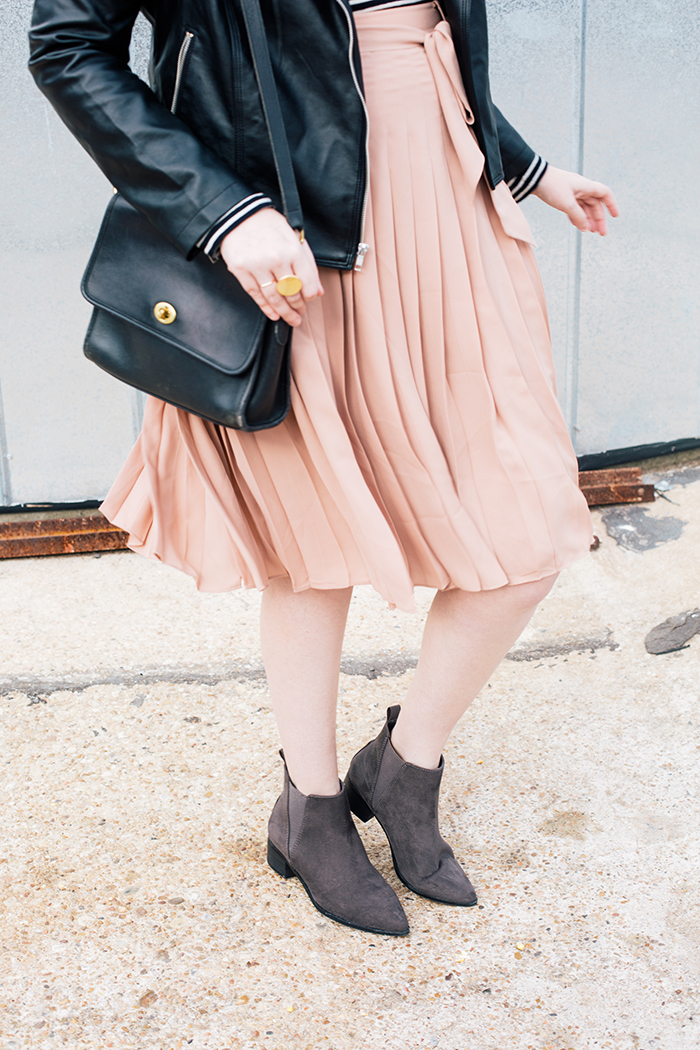 austin style blogger blush midi skirt moto jacket12