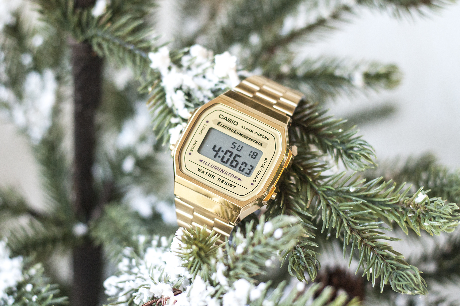 01casio-vintage-gold-watch-holiday-style-fashion