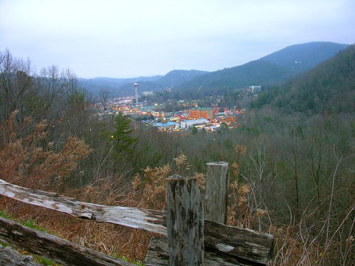 gatlinburg single women Sevierville / s ə ˈ v ɪər v ɪ l / is a  while the whitecaps initially threatened women accused of prostitution, the group began launching nightly attacks in.