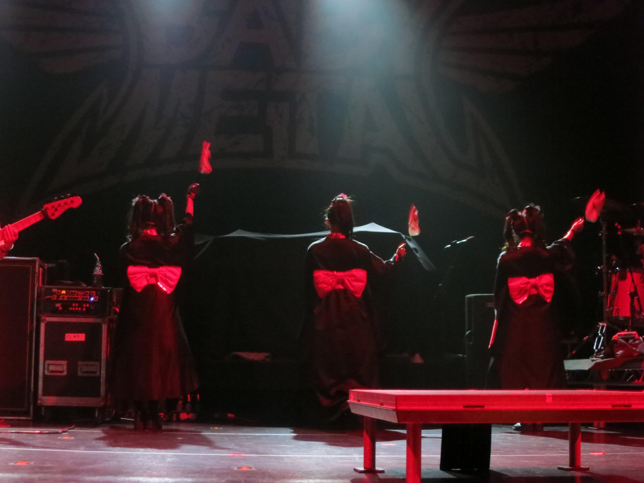 【音楽】BABYMETAL、ついにレッチリとステージで共演!海外メディア「怖いほどブリリアント」 [無断転載禁止]©2ch.netYouTube動画>57本 ->画像>293枚