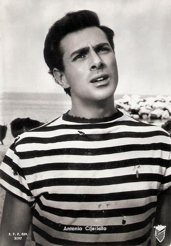 Antonio Cifariello in Pane, amore e..... (1955)