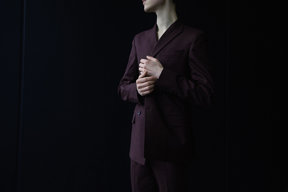 MikkoPuttonen_Darkoh_menswear_Burgundy_suit_RiverIsland_JilSander_fashionblogger-london5_web