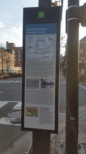 Panel on George Washington Parkway, Alexandria wayfinding system, southeast corner of Washington Blvd. and King Street