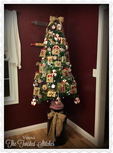 2016 Prairie Schooler Santa Tree