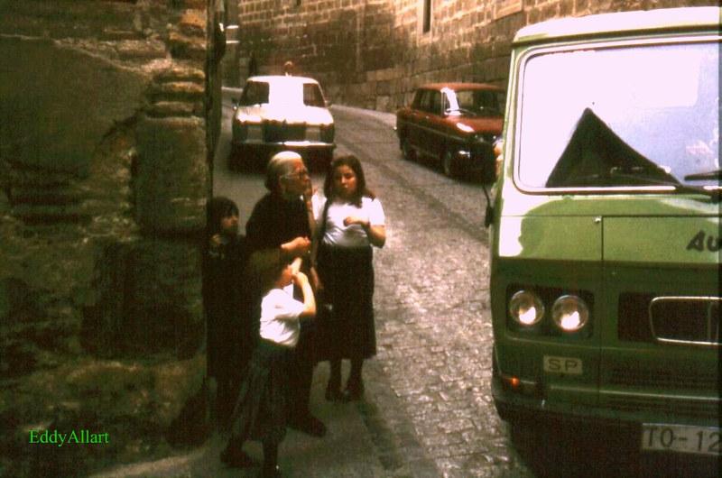 Camión en la Calle Cardenal Cisneros junto a la Bajada del Barco en Toledo en 1981. Fotografía de Eddy Allart © Eddy Allart