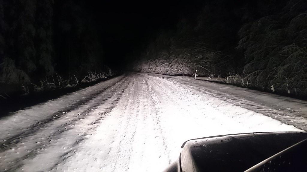 27.12. Lumituiskun jälkeinen aamu.