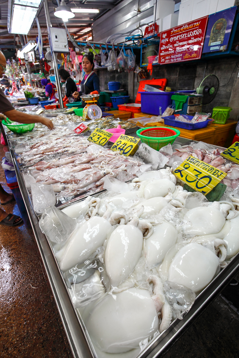 Lan Pho Fish Market Pattaya Squid Seller