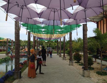lorong seribu payung