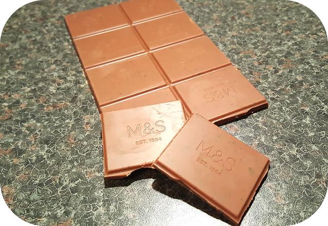 M&S 32% Single Origin Dominican Republic Milk Chocolate with Mint