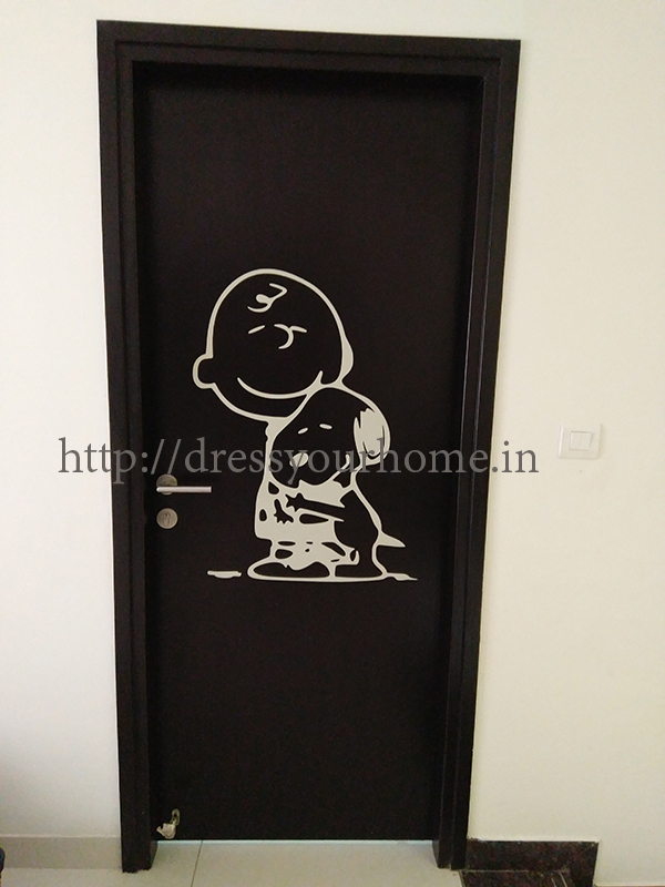 Peanuts on door