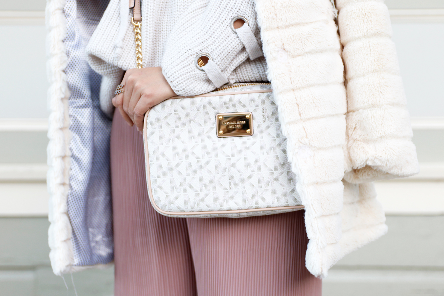 02holiday-neutral-pastel-michaelkors-fur-sf-sanfrancisco-fashion-style