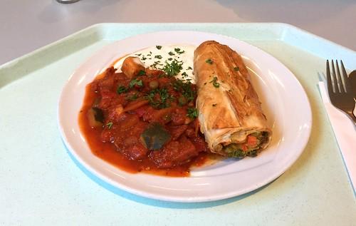 Gemüsestrudel mit Joghurtdip & Ratatouille