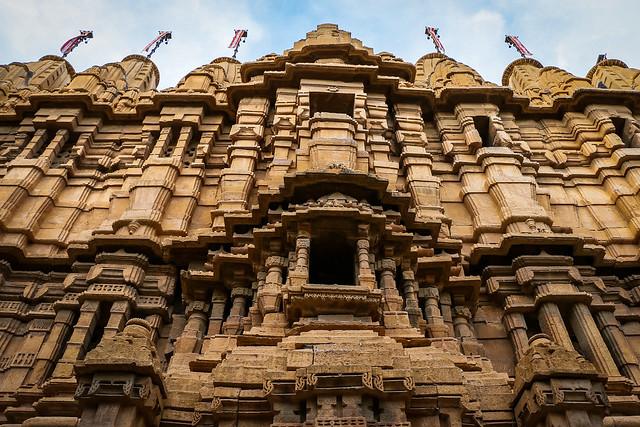 Exterior of a Jain temple in Jaisalmer Fort, India ジャイサルメール、フォートの中にあるジャイナ教寺院外観