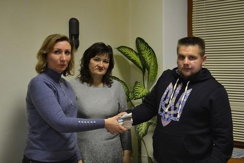 67 тисяч гривень, одержані за пластикові кришечки, витратить на протез