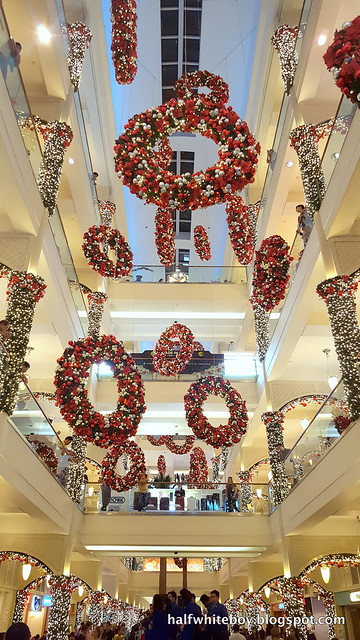 halfwhiteboy powerplant mall christmas decor 2016 09