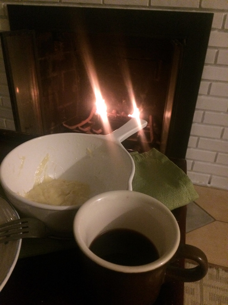 Mulled Wine and Cheese Fondue
