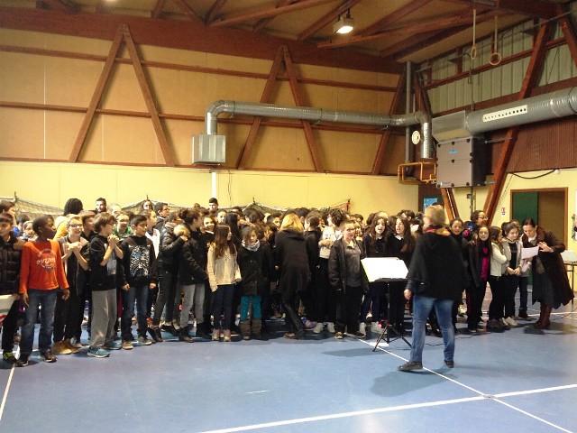 Le collège Jean Moulin a organisé un spectacle musical