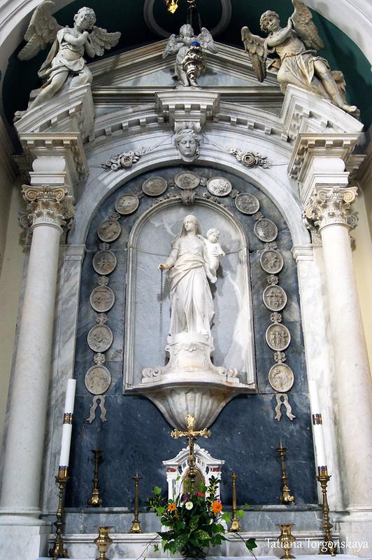 Алтарь Богоматери Розария
