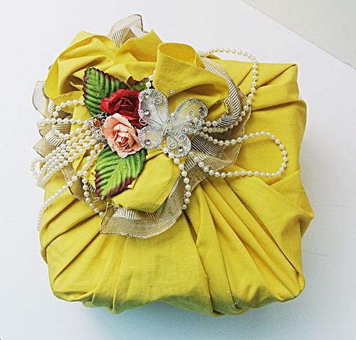 Gift-wrapped-with-remnant-fabric