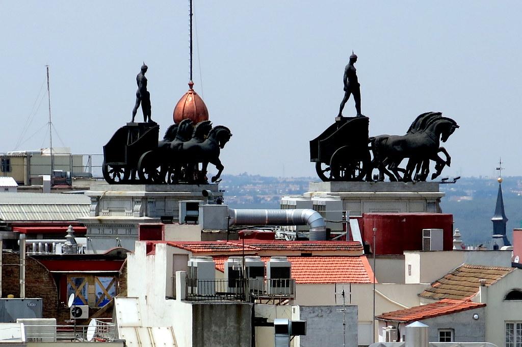 Madrid; tejados, azoteas y remates