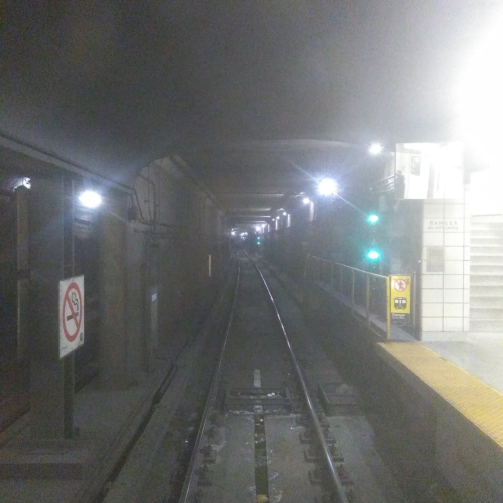 Looking eastbound through glass, Spadina #toronto #ttc #subway #spadina #tunnel
