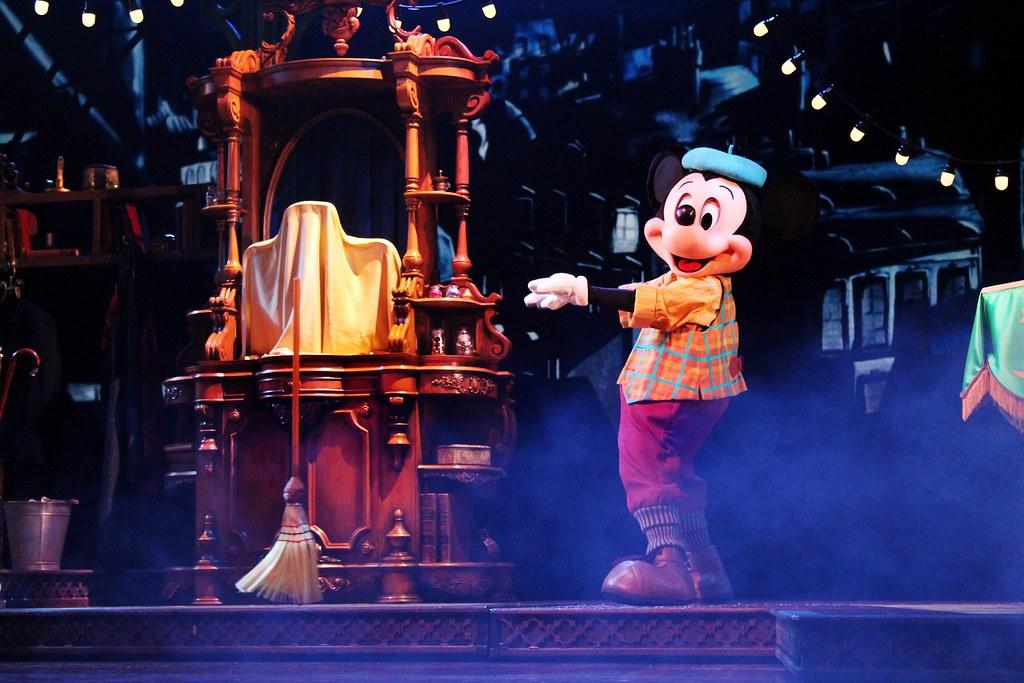 Drawing Dreaming - 10 razões para visitar a Disneyland Paris - Mickey et le Magicien