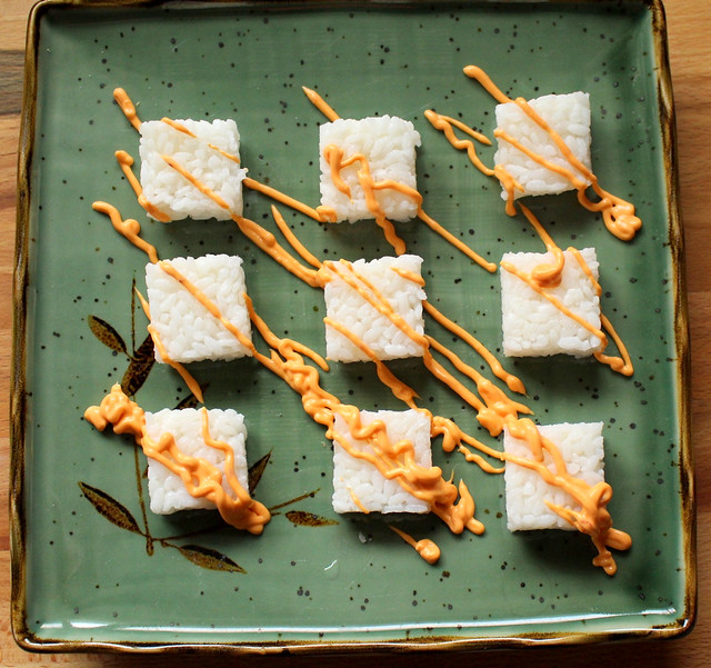 Crispy Sesame Rice Cake Appetizers with Tuna Tataki