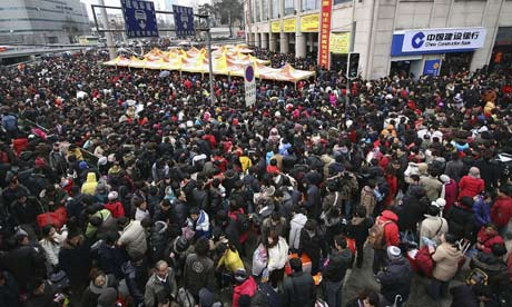 Chinese-people-crowd-at-a-001