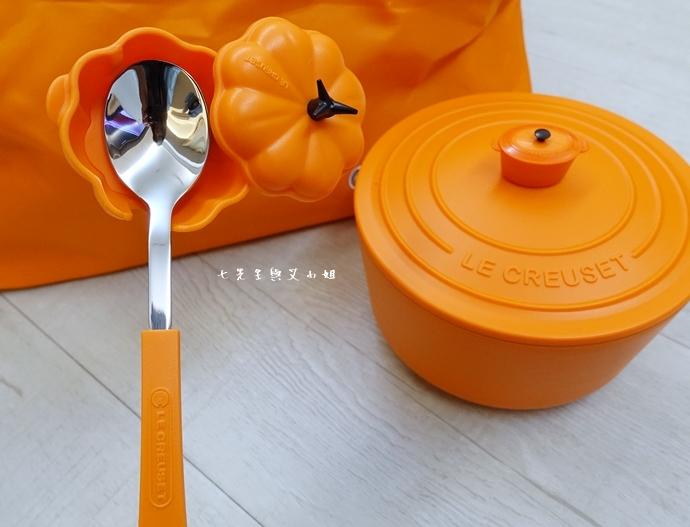19 7-11 法國 Le Creuset 食尚集點送 食尚餐具組、雙層微波便當盒、食尚兩用餐墊、食尚保冷提籃