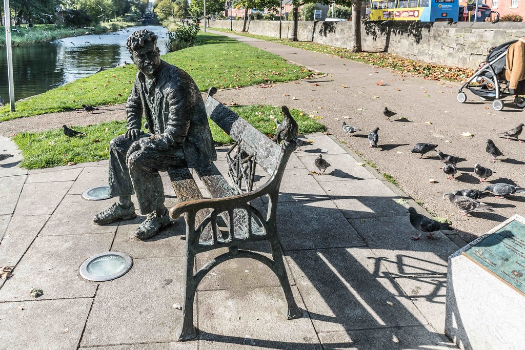 BRENDAN BEHAN ON THE BANKS OF THE CANAL [ROYAL CANAL] REF--1085752