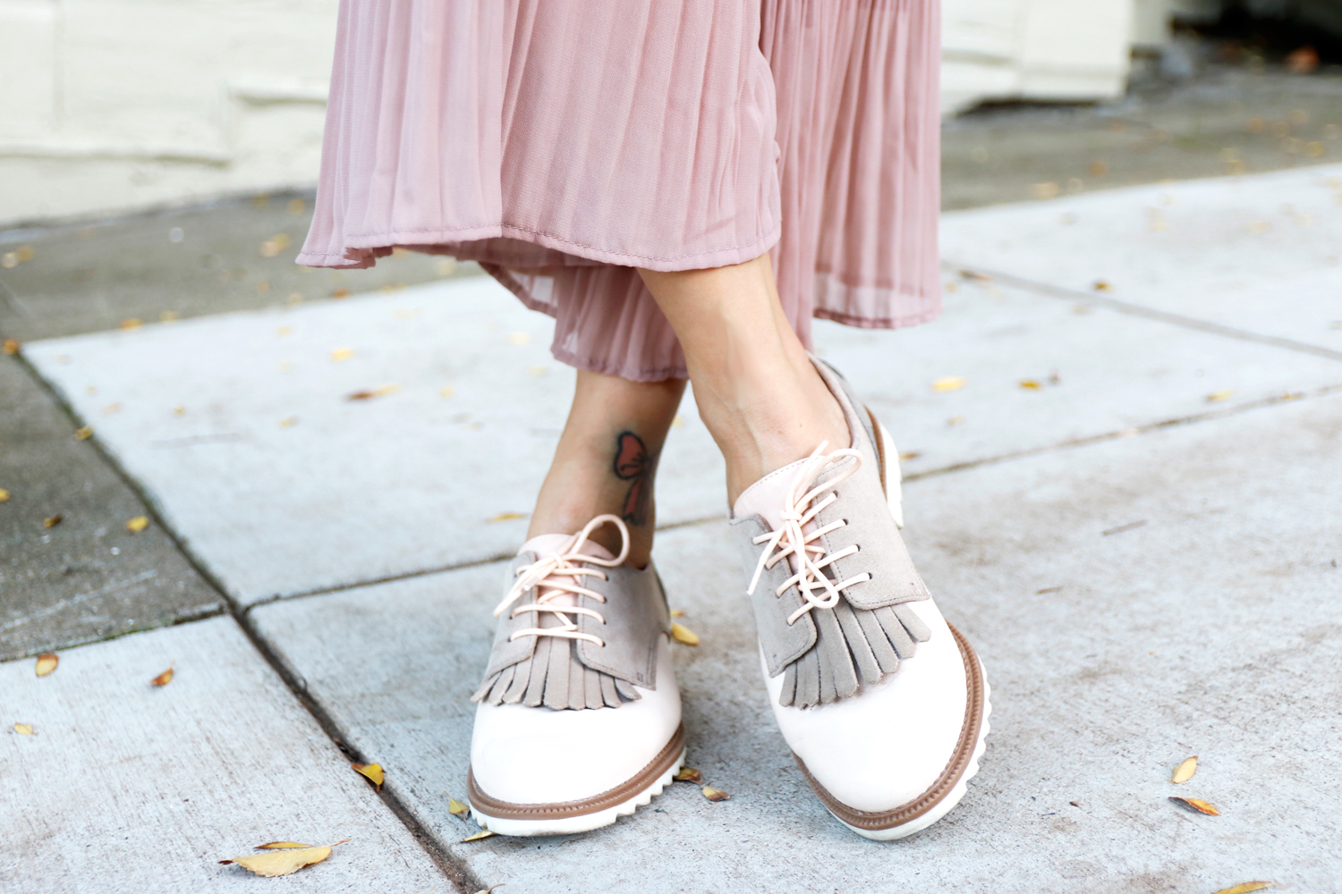 09holiday-neutral-pastel-oxfords-fringes-clarks-sf-sanfrancisco-fashion-style