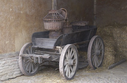 Wagon and Baskets at Archeon | by Hylda_H