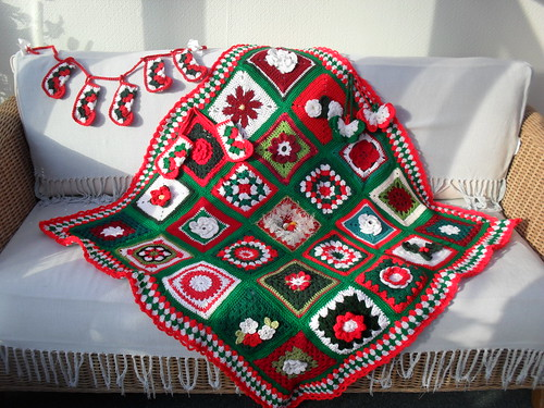 Thank you to all the Ladies who have contributed Squares for our first Christmas Blanket! I am so grateful!......'Christmas Blooms!' - Named by LT81 Thank You!