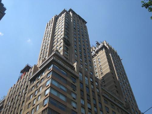 Majestic Park Apartments
