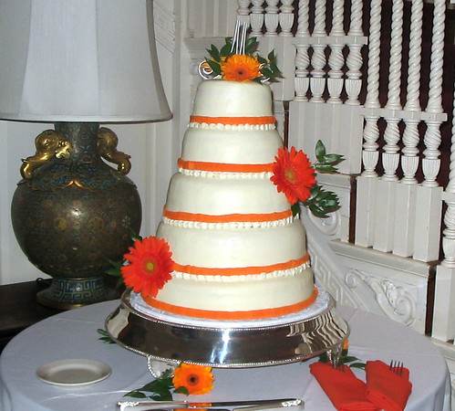 wedding cake pictures with gerbera daisies orange gerbera wedding cake this is marcela felix 23449