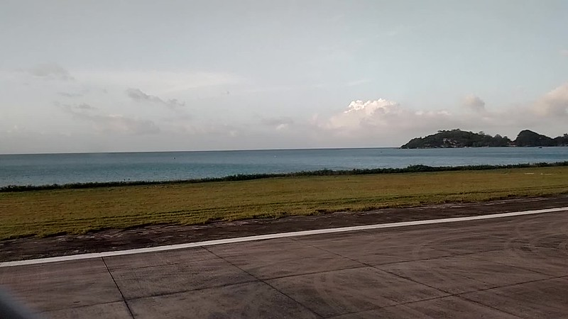 Take Off - Seychelles International Airport (Kenya Airways)