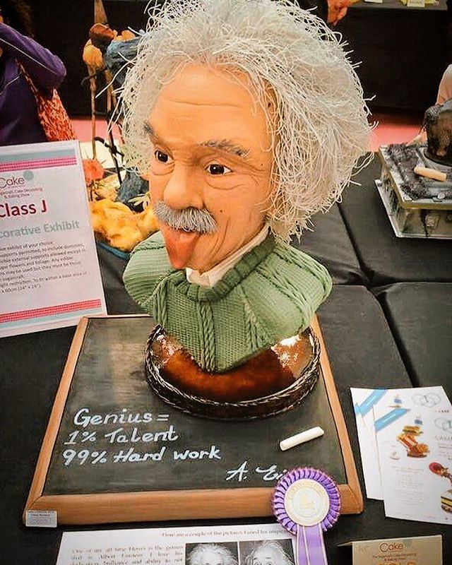 Albert Einstein by Dinky Doodle Dawn at Cake International 2016