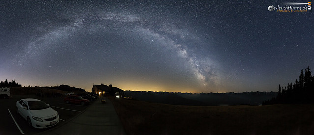 Milky Way above Olympic Mountains